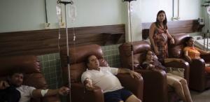 gravida de seis meses ana paula barbosa oliveira em pe aparece pacientes com sintomas da zika dengue e chikungunya no hospital que ela comanda em monteiro na paraiba 1459978097870 615x30